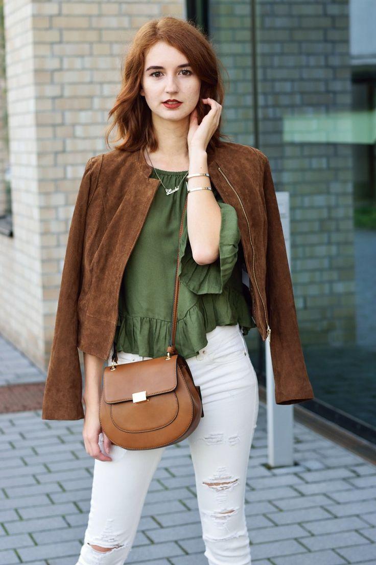 """Meine Interpretation des perfekten Herbstlooks enthält die Trendfarbe """"grün"""" sowie meine geliebte Wildlederjacke. Mehr dazu auf www.modewahnsinn.de #fashionblogger #outfitinspiration"""