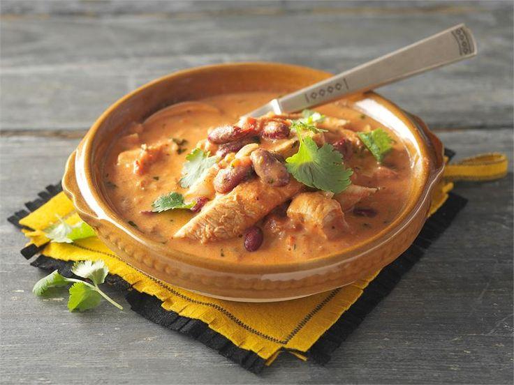Yhtä hyvää kuin Meksikossa Aden tekemä! Korianterin korvaan lehtipersiljalla ja chilillä maustettu Mutti tomaattimurska sopii hyvin.
