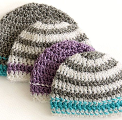 Do you love easy crochet patterns that you can whip up in an afternoon?  Then you're going to love these Crocheted Hats to Donate.  Easy enough for beginners, these simple crochet hat patterns work up quickly and effortlessly and make wonderful gifts