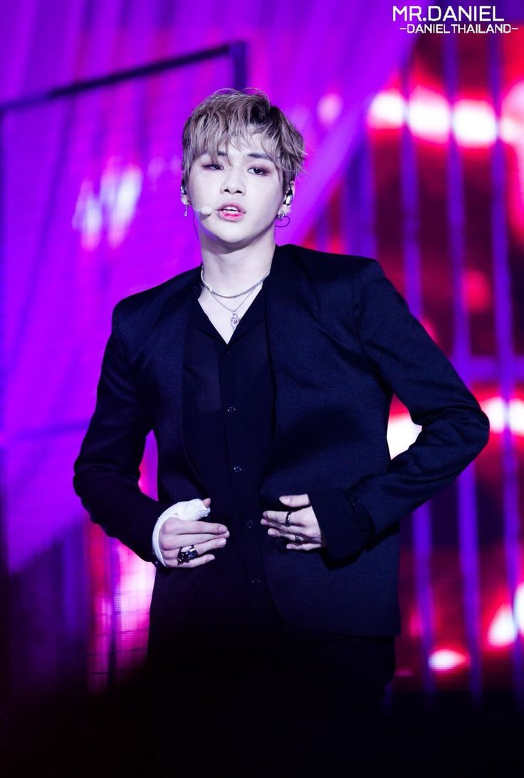 The makeup is so on point Kang Daniel