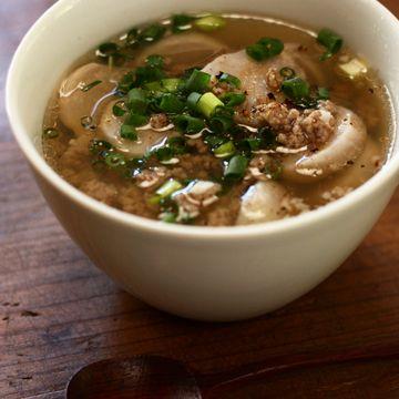 豚ひき肉と里芋のエスニック風スープ