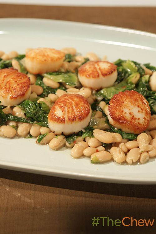 The Pan-Seared Scallops with White Beans & Escarole is a delectable seafood dish that comes together in just 5 minutes with only 5 ingredients!
