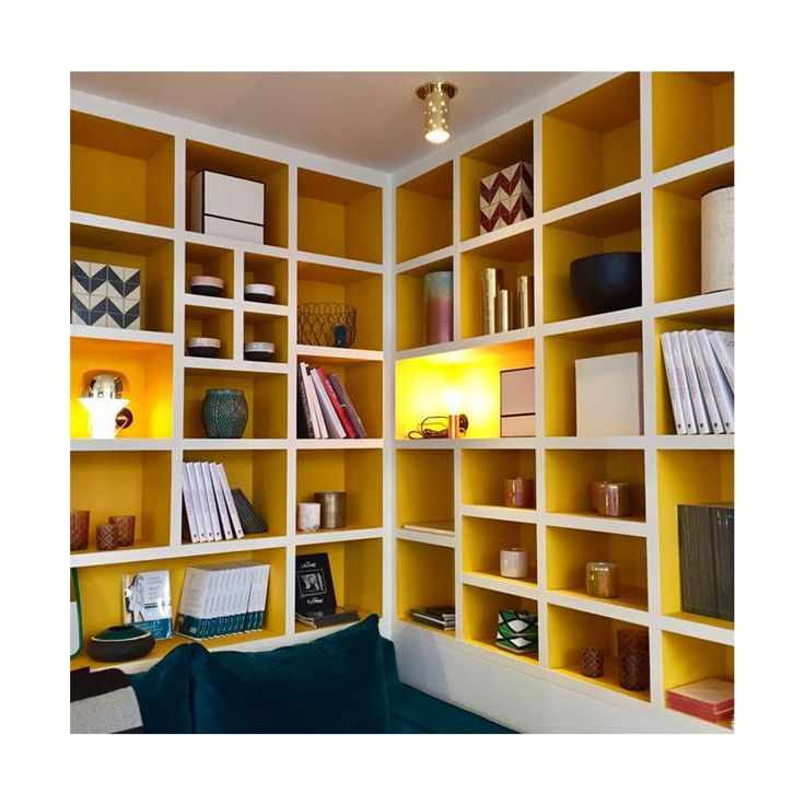 les 25 meilleures id es de la cat gorie meuble vitrine sur pinterest etagere vitrine. Black Bedroom Furniture Sets. Home Design Ideas