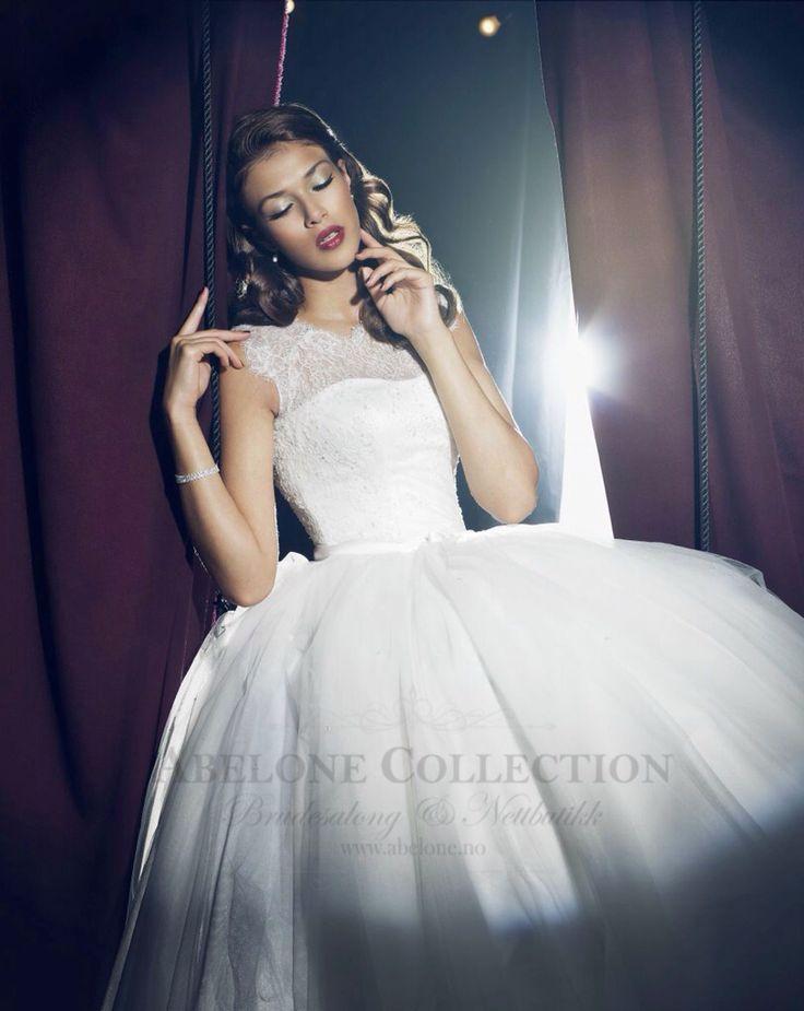 <3 NÅ 11.600,- -20% Rabatt (ord.pris 14.500) bestill GRATIS prøvetime ut Desember  <3 Kjøpes her: https://www.abelone.no/brudekjoler/salg-pa-brudekjoler/prinsesse-brudekjole-med-strort-skjørt-08-3248-passions-by-lilly-kun-str-38-igjen-detail   @abelonebrudesalong @abelone.no #abelone #abelone.no #abelonecollection #abelonebrudesalong #bryllup #Brudgom #bruden #abelone.no #brudekjole #brud #brudebilde #brudesko #brudemesse #LILLY #lillybrudekjole #losbygods #losby #brudemesselosby…