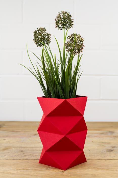 DIY Anleitung: Origamivase falten // DIY tutorial: origami vase via DaWanda.com