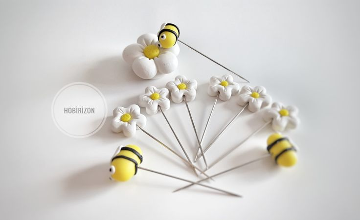 Papatya ve arılı  iğneler ve iğne tutucu magnet  #pins #crochethook #suslutig #igne #pins #crochethook #kanavicekitap #kanavicekolye #suslukasik #suslucatal #crochethook #pins #igne #topluigne #handmade #elemegi #elyapimi #polymerclay #polimerkil #igne #suslutig #elemegi #elyapimi #polymerclay