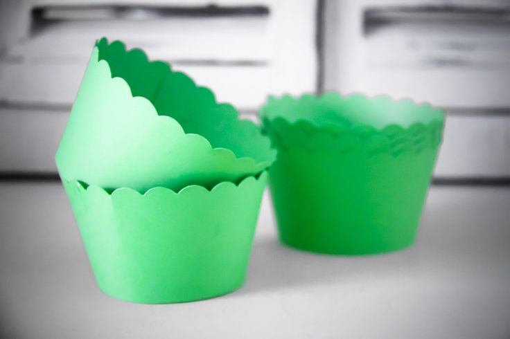 Scalloped Cupcake Wrappers - Teelee - A Bits & Bobs Brand