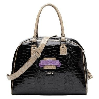 Pretty and feminine, this weekender will send you travelling in style! Kate xx