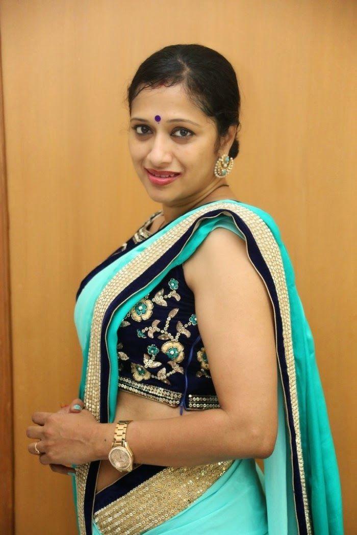 Anchor Anitha Chowdhary Latest Hot Sexy Saree Pics | FILM ACTRESS PLUS