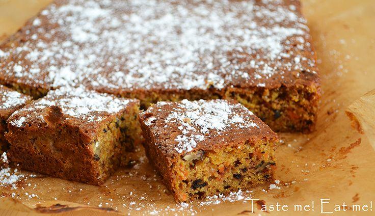 Taste me! Eat me!: Ciasto marchewkowe z imbirem i orzechami włoskimi