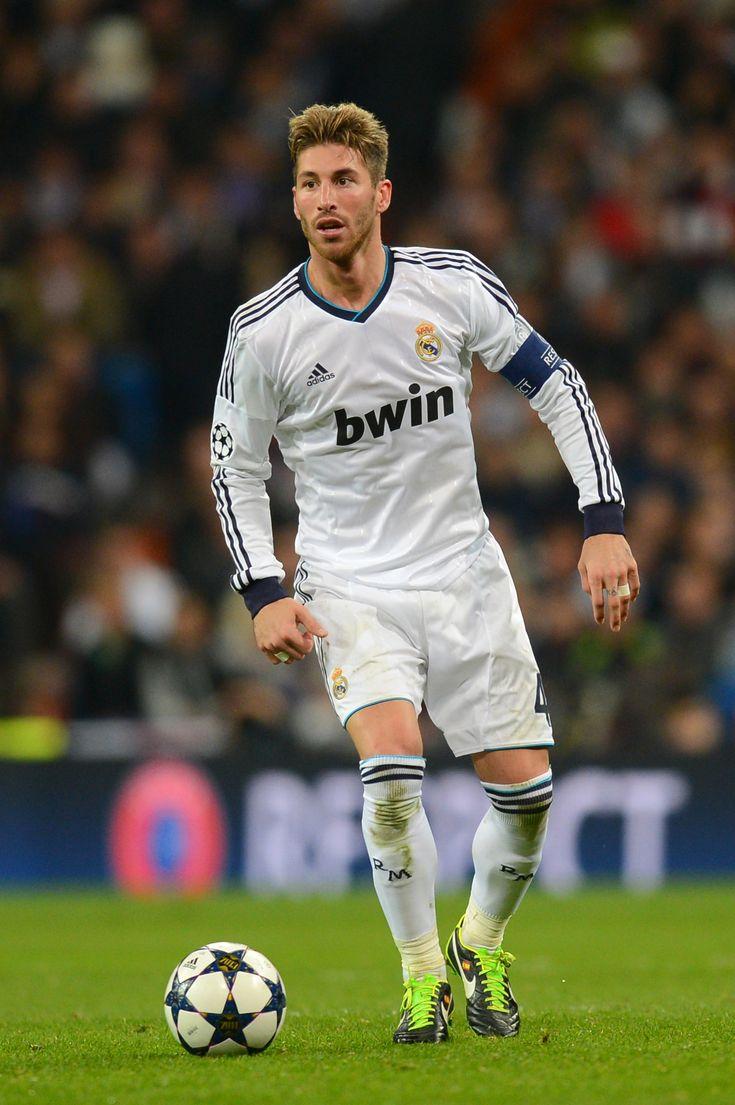#Ramos... Crack como lateral derecho y ReCrack como central...