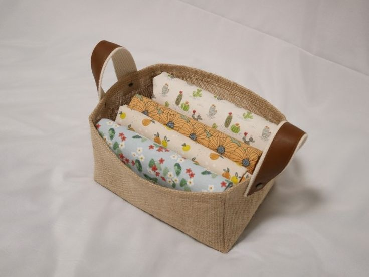 Fabric Bowls and Baskets Tutorial. Diy Burlap Baskets.