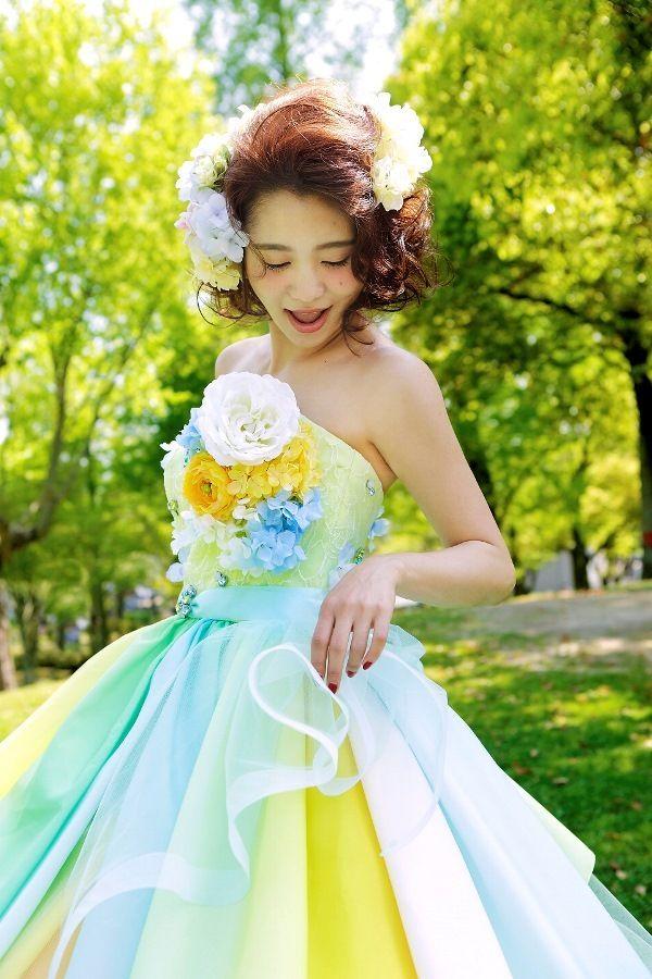 夏カラーのレインボードレス! 真夏のお色直しのアイデア☆