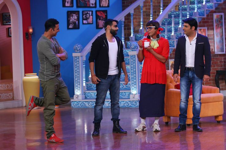 The first episode of Comedy Nights with Kapil after it's one year leap along with Akshay Kumar and Shruti Hassan film promotion of Gabbar is Back. #getmovieinfo