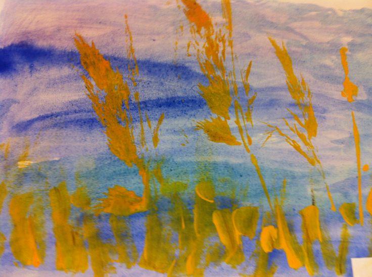Syksyinen heinäpelto: laveerausta ja painantaa.