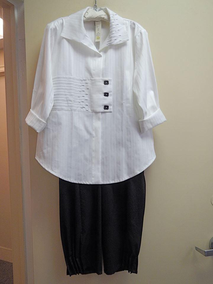 Love the closure on this shirt from Siga Bari.