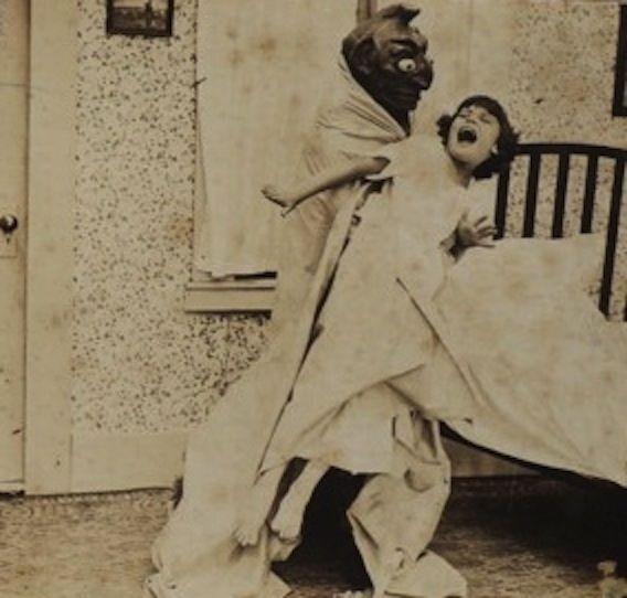 Creepy+1920s+Photos+of+The+Boogeyman+(5).jpg (568×542)