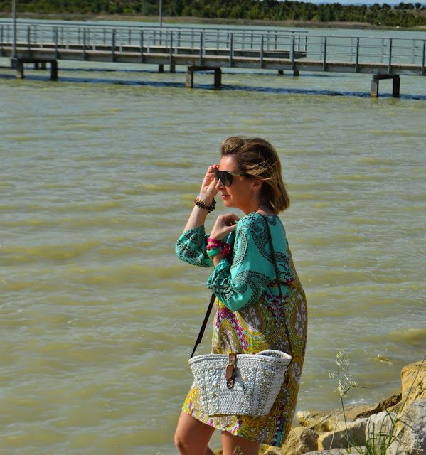 Os mostramos hoy uno de los looks que Rebeca de Un vestidor con ideas ha creado a partir de nuestra colección. cachemir print dress, Egatex dress outfit, dress, galant girl, street style fashion, outfit for spring 2015, outfit for summer2015,