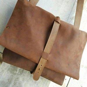 CRAZY HORSE Leather Messenger Bag 011