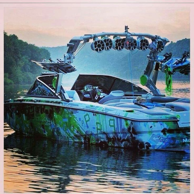 Hot dam swamp boat
