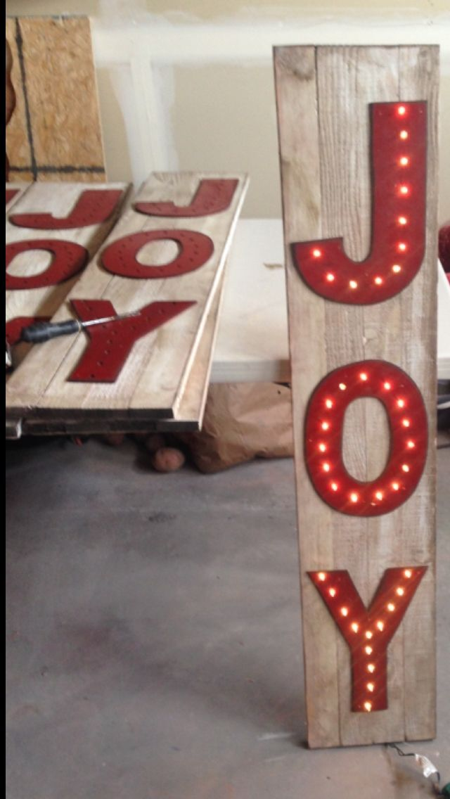 Pin by Courtney Reedy on pallets | Christmas, Christmas ...