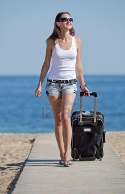 Sole ,Spiaggia ,Vacanze.  Metti in valigia un kit da viaggio a tua scelta e proteggi i tuoi capelli anche al mare.  http://www.hairstudiogianni.com/KIT-DA-VIAGGIO/Vedi-tutti-i-prodotti.html