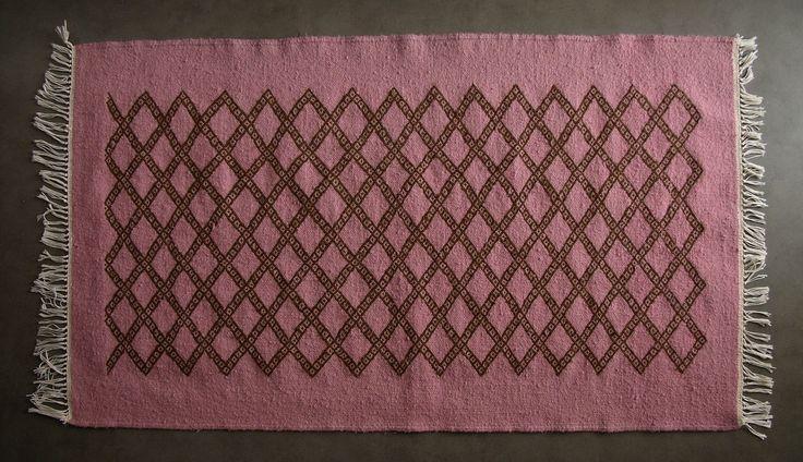 plus de 1000 id es propos de tapis berbere kilim pour chambre et salon sur pinterest s rum. Black Bedroom Furniture Sets. Home Design Ideas