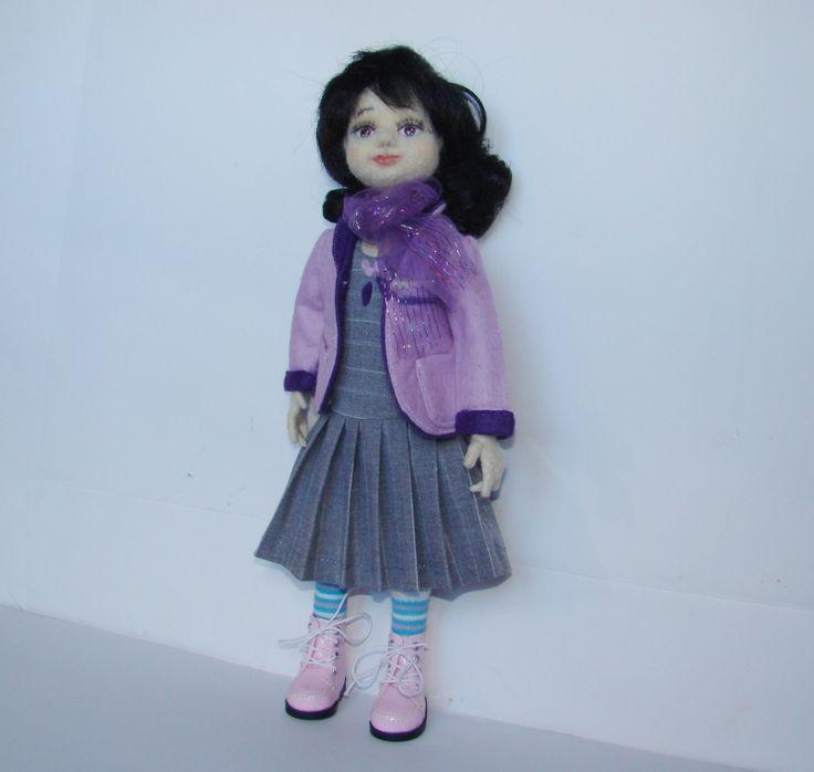 Лора, кукла валяная из шерсти