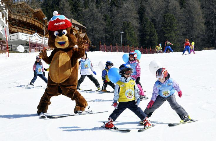 Skifahren mit Bär Bruno in Obereggen - Sciare con orso Bruno a Obereggen