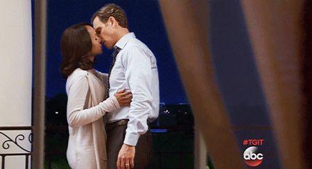 Yesss!!! Scandal: Fantastic season 4 finale and season 5 is coming :-)