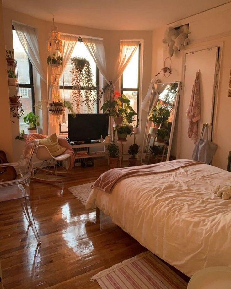 Diseño bohemio de dormitorio y ropa de cama