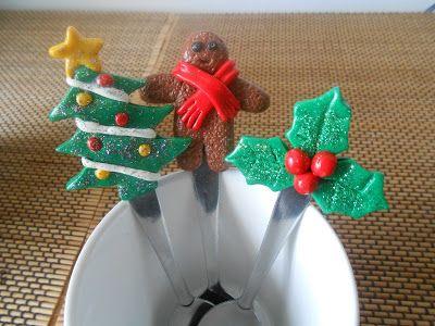Cuillères de Noel , sapin, mr gingergread et houx en Fimo
