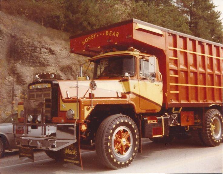 """1981 Mack DM 800 """"Honey Festival Over All Truck Show Winner"""" Name """"Honey Bear"""" Gabbard Tucking. Pic# 3"""