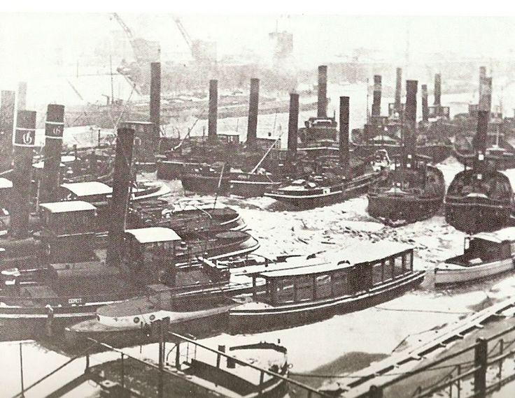 sleepboten in de Ruhorterhavenmond in de winter van 1928/'29 (Kurt Hill)