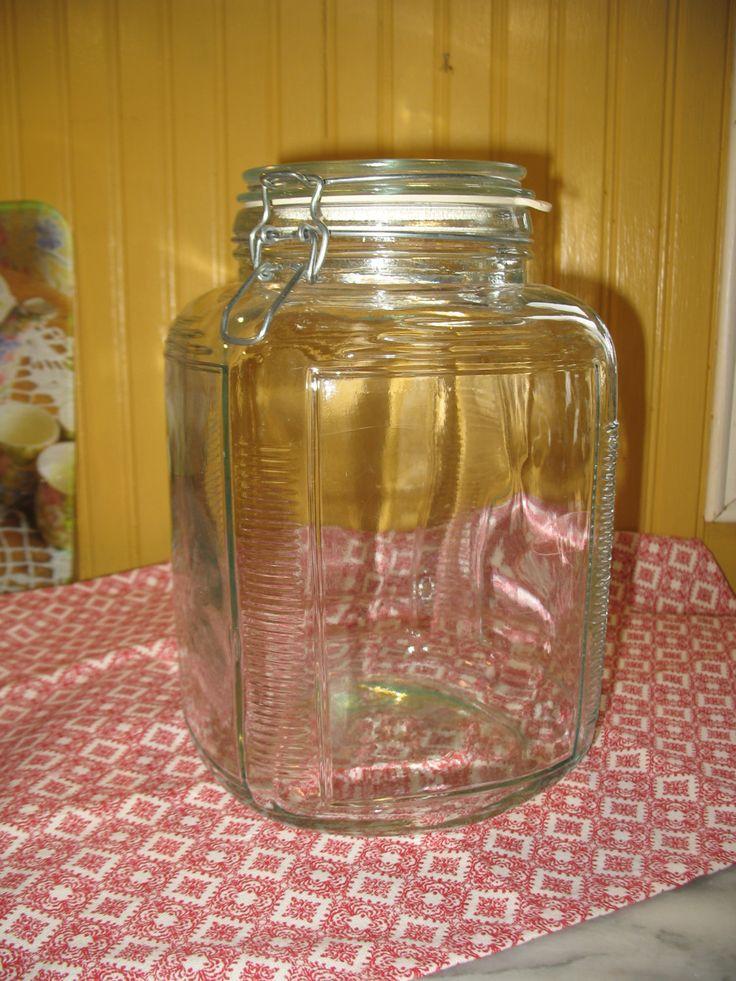 Vintage gros bocal en verre avec couvercle en verre ajustable de forme originale fabriqué aux usa 1950/60 de la boutique NorDass sur Etsy