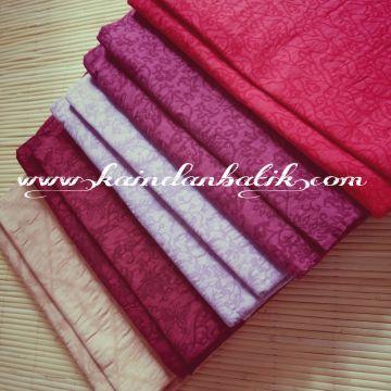 Embossed fabrics from Indonesia www.kaindanbatik.com