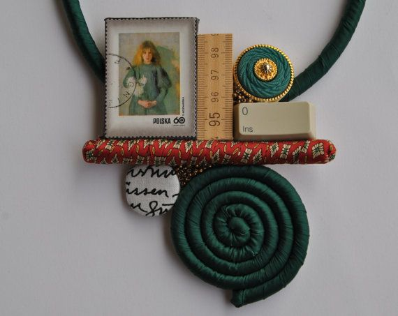 Satin statement necklace dark green with medailllon di comivishop