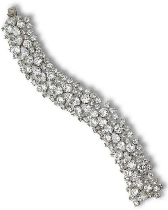 Harry Winston – Diamond bracelet – The flexible bombé strap of floral cluster d…