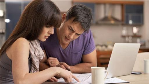 How to Plan Finances When One Spouse Freelances - WSJ