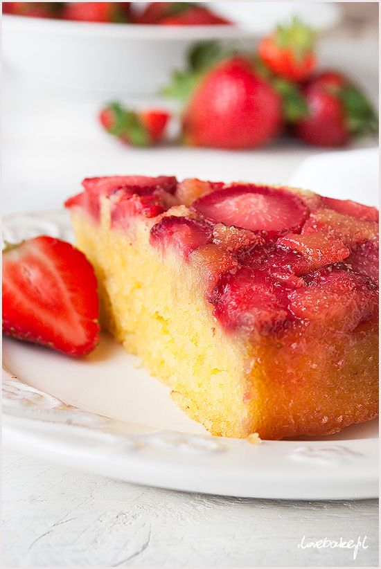 odwrócone-ciasto-z-truskawkami-6