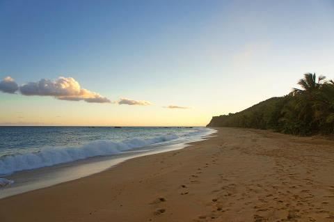 Playa el Cocal en Yabucoa, Puerto Rico / La ciudad del azúcar