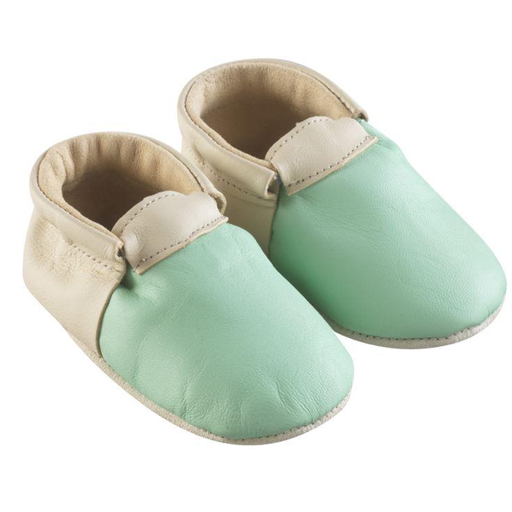 Vert et beige > http://www.tichoups.fr/chausson-cuir-souple-sans-motif/chaussons-bebe-cuir-souple-ticolo-vert-beige.html