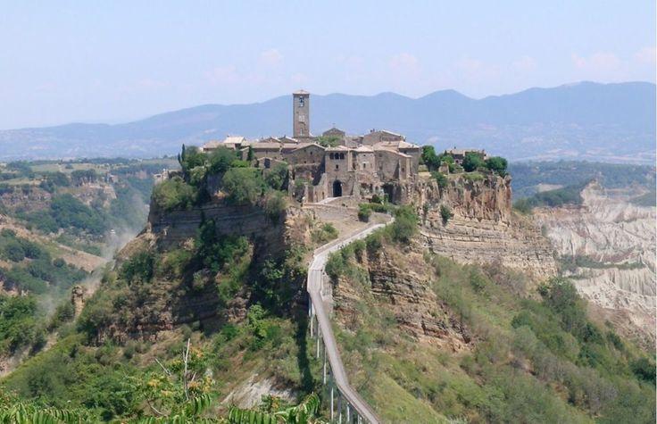 Civita di Bagnoregio, la città che muore, uno dei borghi più belli d'Italia
