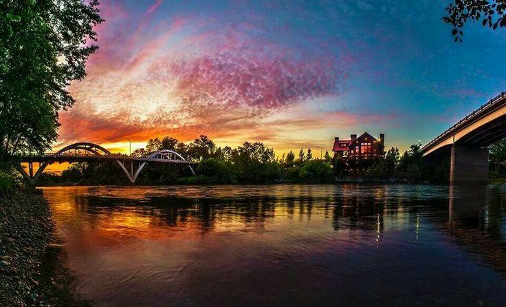 Taprock, Rogue River & Caveman Bridge | Grants Pass