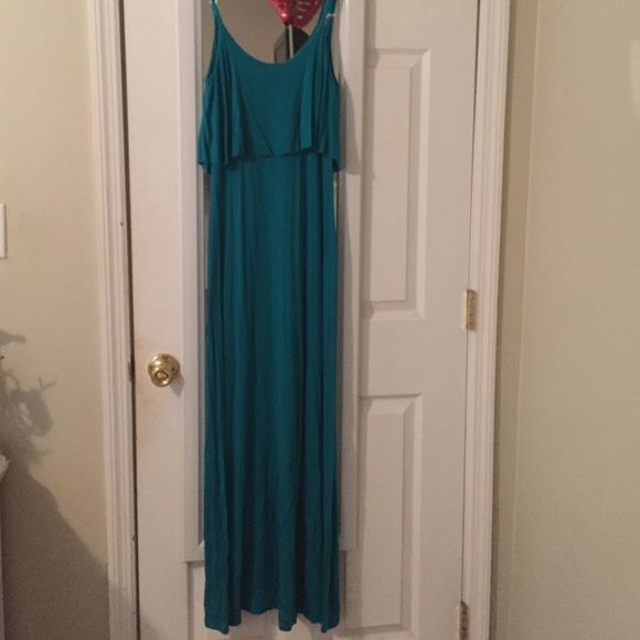 Green/teal maxi dress from LuLus Green/teal maxi dress from LuLus. Size small! Lulu's Dresses Maxi