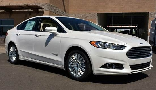2016 Ford Fusion Hybrid Titanium Review UK