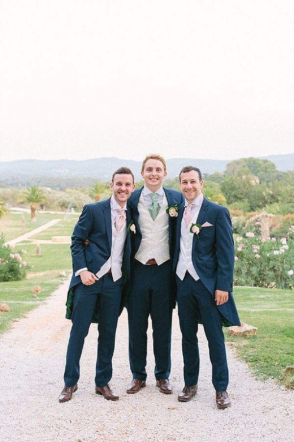 Pastel groomsmen cravat   Image by Maya Marechal Photography