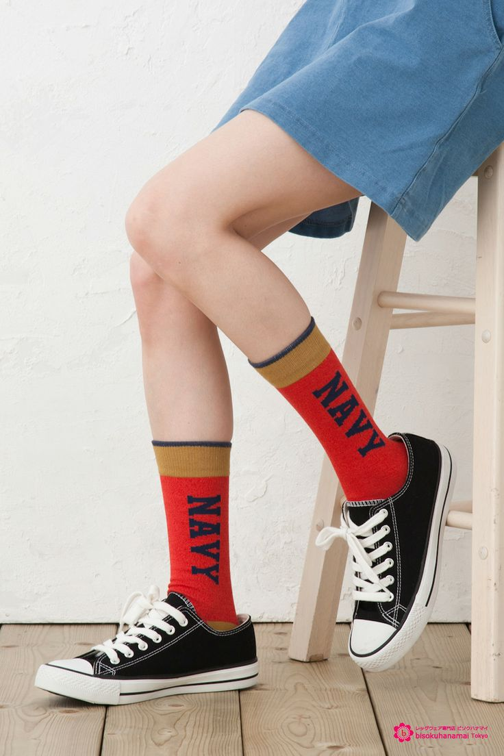 NAVY CREW SOCKS RED JPY333(without TAX)