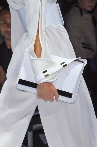 △☆idb #white #summer #fashion Gianfranco Ferré 2014