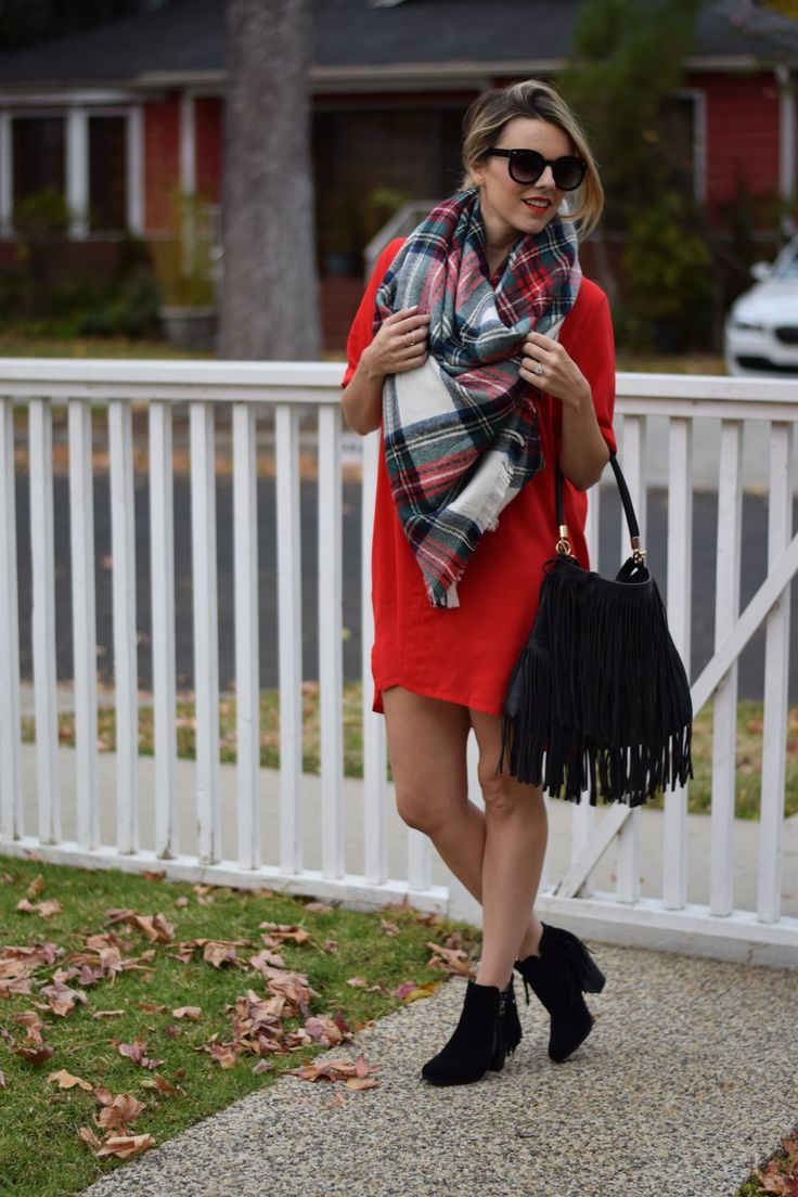 Ali Fedotowsky.. EVERLY Split Neck Shirtdress, SheIn Scarve, Prima Donna Fancy Free Booties, and Urban Outfitters Ecote Bag.. #stylethebump